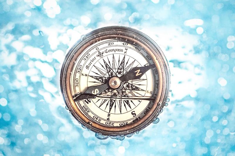 Marine Compass unter Wasser
