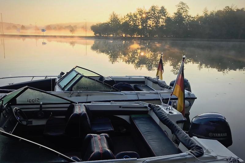 Motorboot Wassersportschule Kozlowski Wipfeld