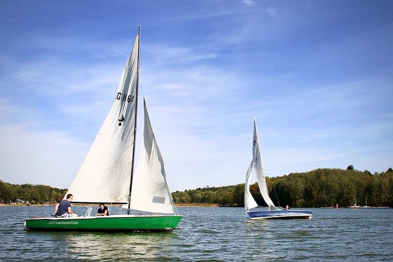 Segelboote beim SBF Binnen Kurs Ellertshäuser See