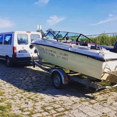 Motorboot Wipfeld auf Trailer an Hänger
